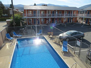 Cactus Tree Inn is a family-owned motel in Oliver, BC, only minutes to the Canada / US border.