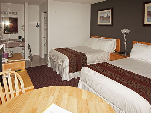 Our motel offers great prices and lots of extras for your stay at our Oliver, British Columbia, accommodations.